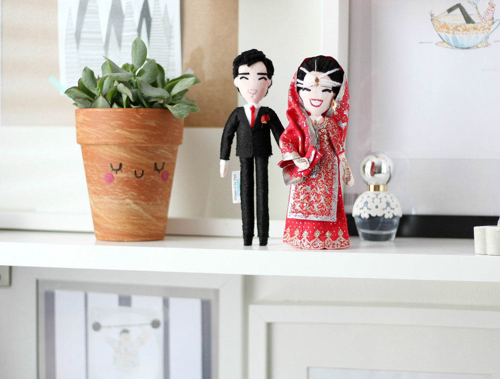 pakistani wedding, pakistani bride, custom art dolls to look like you or your loved ones. What to give parents for anniversary, wedding. Selfie dolls. Boyfriend gift ideas. Gifts for her. Mothers day gift. Valentines Day gift. Mum to be gifts. Personalised dolls. Family portraits. Where to buy personalised gift. What to give boyfriend. Anniversary gifts. What to give dad on his birthday. SHOP: www.whisperofthepipit.com