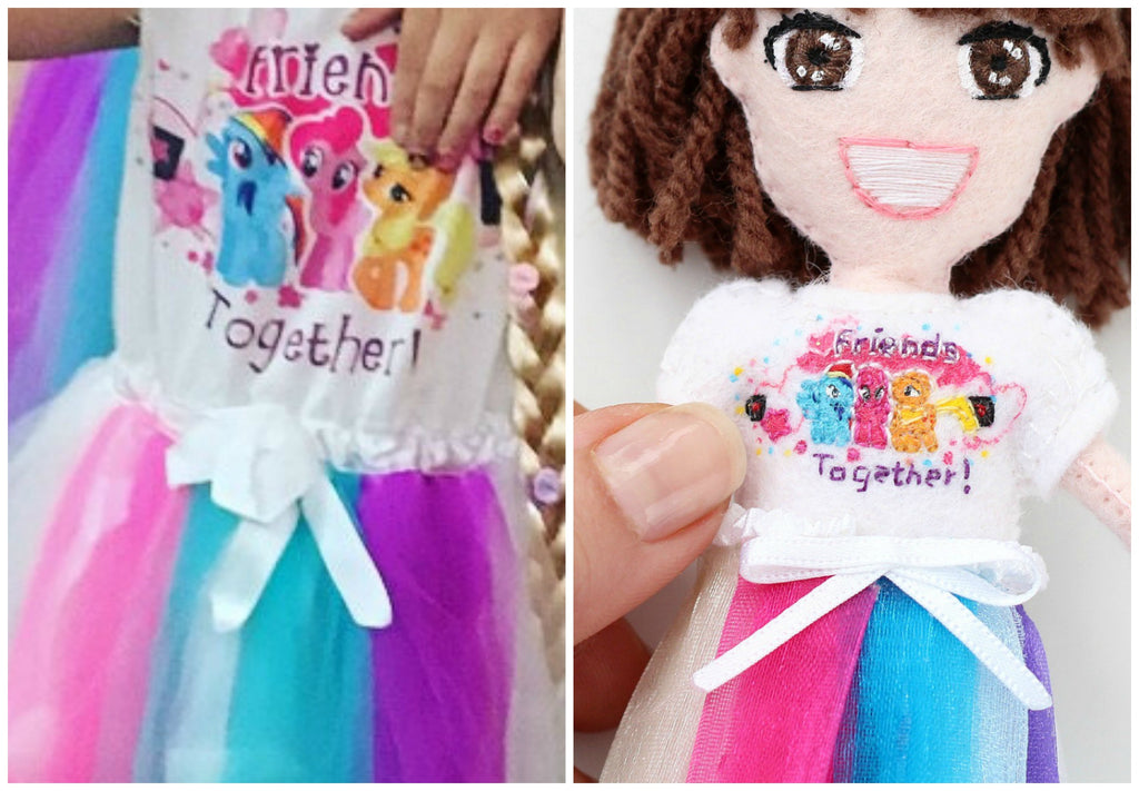 selfie doll of Eva dress details