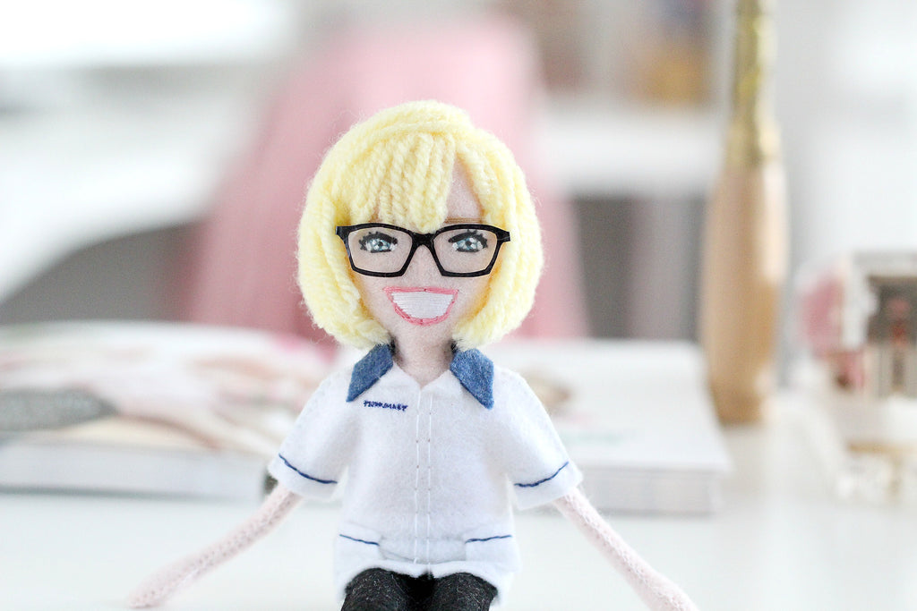 selfie doll, leaving work gift