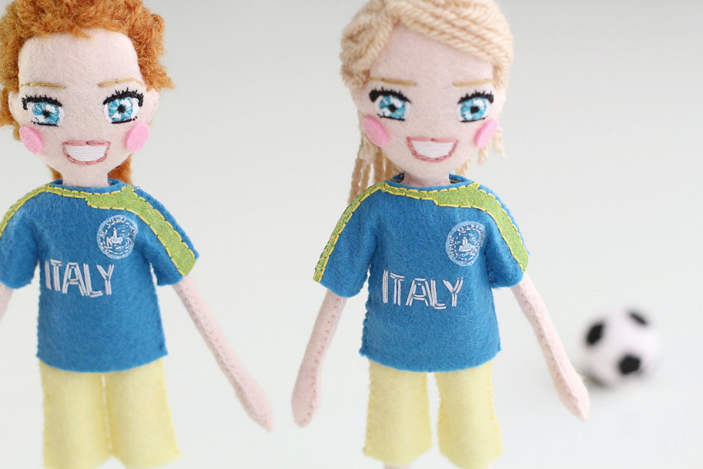Selfie dolls – the options are endless.   You in your fav outfit, you with best friend, you and hubbie, you and family, Mother's Day gift, Christmas gift, anniversary gift, or birthday gift, and even you as a cake-topper! soccer players, kids sport, girls football team,