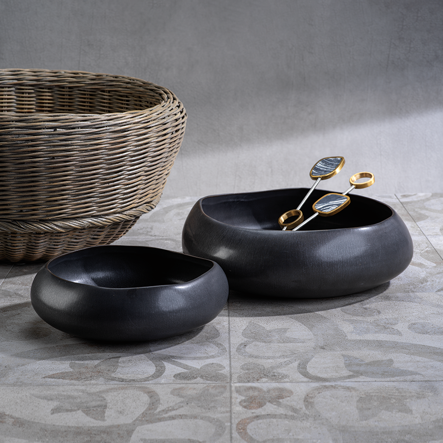 Cariari Black Volcanic Organic Shape Bowl - Small