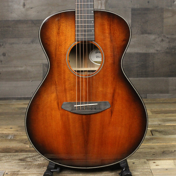 Breedlove Oregon Concert E Myrtlewood Limited Edition Bourbon