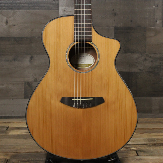 Breedlove Pursuit Concert Nylon CE Red Cedar - Mahogany