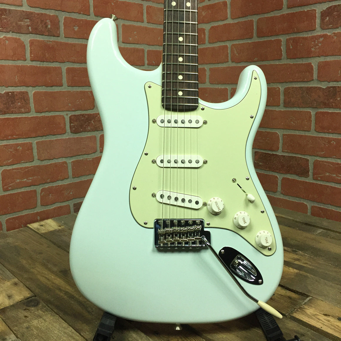 American Special Stratocaster, Rosewood Fingerboard, Sonic Blue