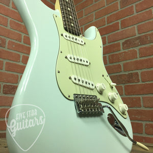 Fender American Special Stratocaster, Rosewood Fingerboard, Sonic Blue