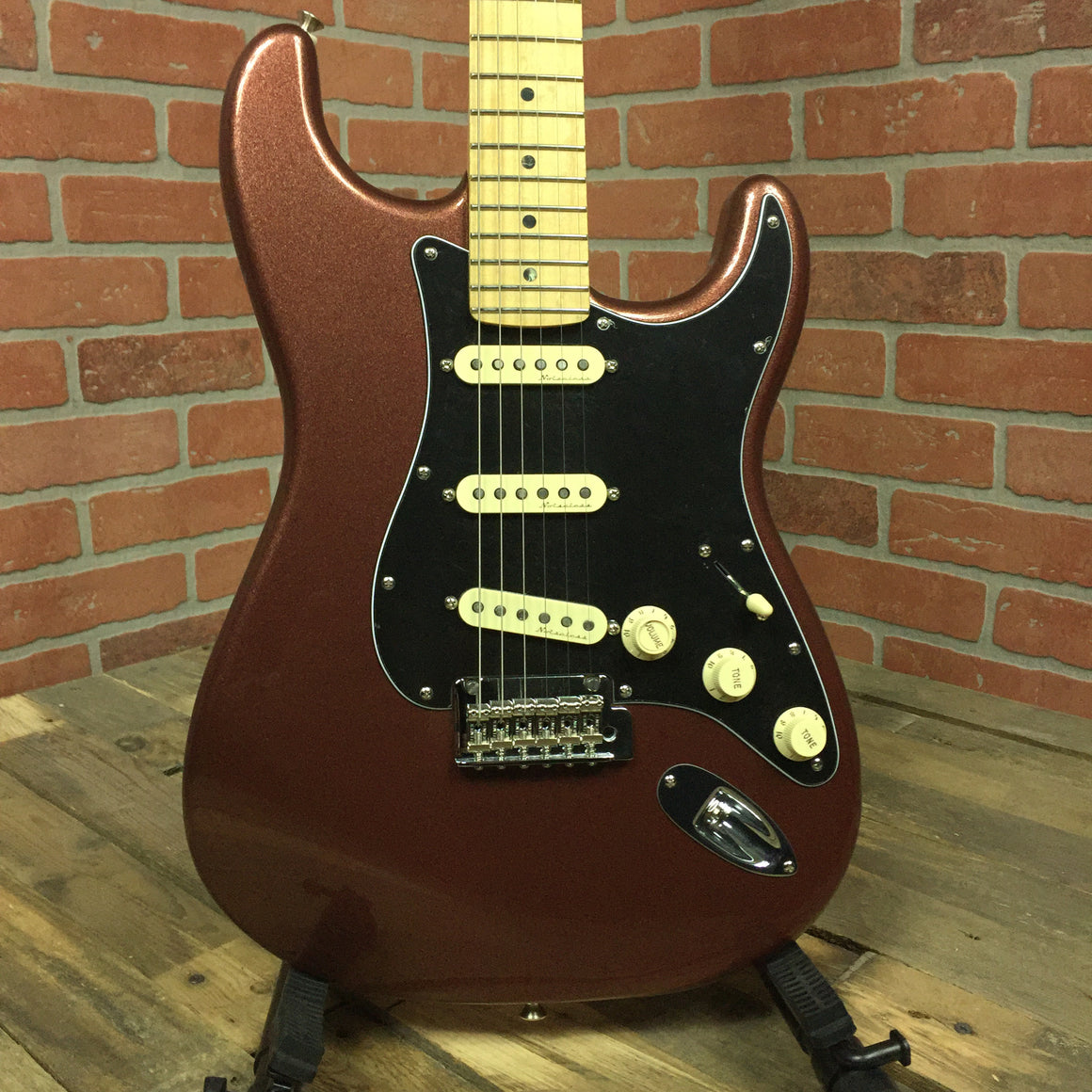 Deluxe Roadhouse Stratocaster, Maple Fingerboard, Classic Copper