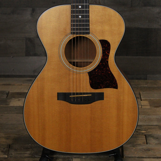 Pre-Owned Taylor 412 with hard case