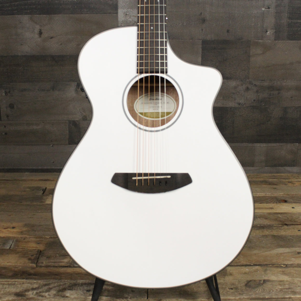 Discovery Concert CE Satin White