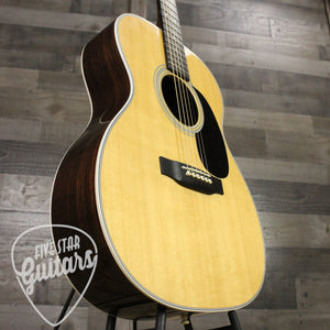 Pre-Owned 2015 Martin 000-28 w/case