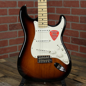 Fender American Special Stratocaster, Maple Fingerboard, 2-Color Sunburst
