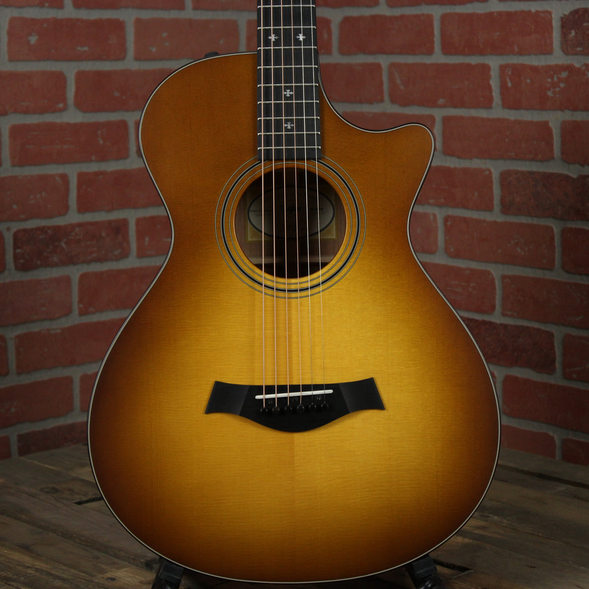 Taylor 312ce 12-Fret LTD - Satin Honey Sunburst and Shaded Edgeburst