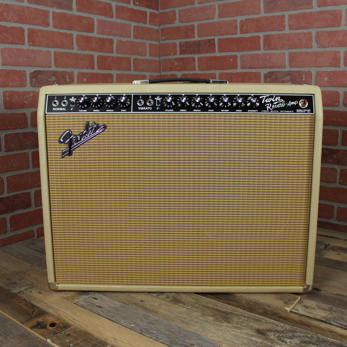 "Pre-Owned Fender '65 Twin Reverb Limited Edition - 85W 2x12"" Combo, British Tan"