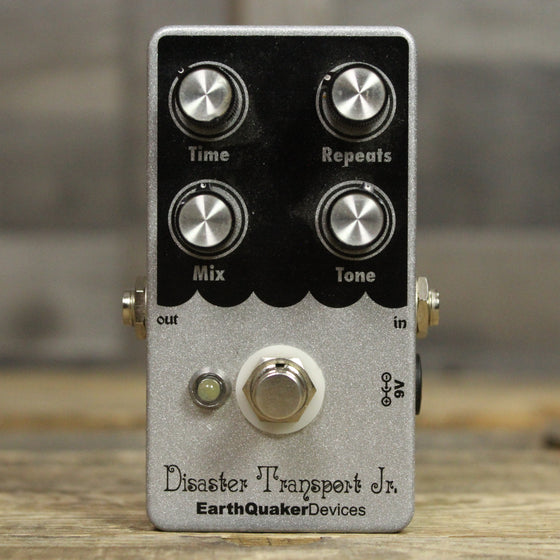 Pre-Owned Earthquaker Devices Disaster Transport Jr.