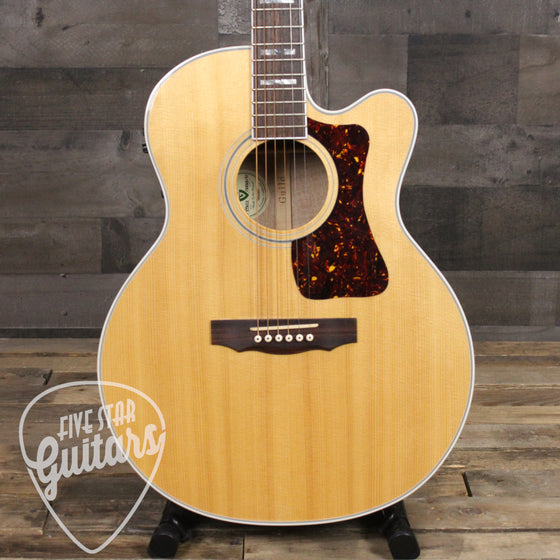 Pre-Owned Guild F47MCE w/case