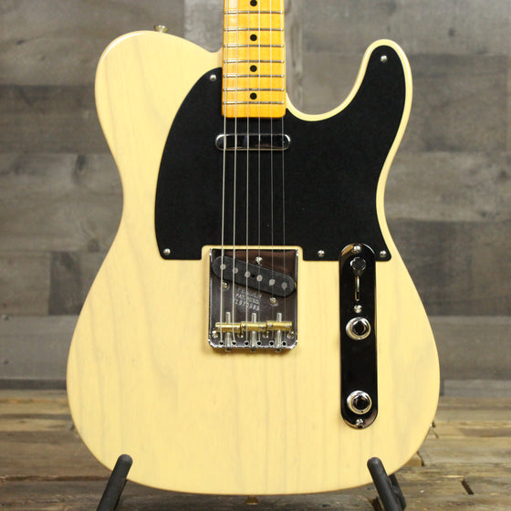 Fender 70th Anniversary Broadcaster - Black Guard Blonde 0989