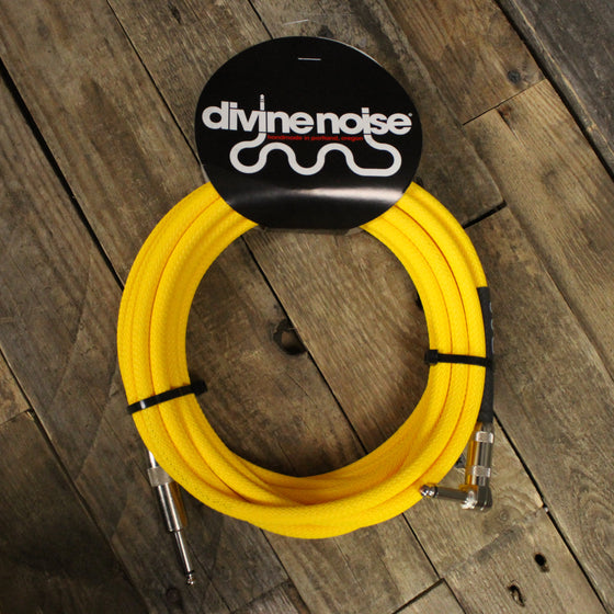 20 AWG stranded center conductor, a spiral shield of bare copper providing 95% coverage. Semi-conductive PVC covering reduces Tribo-Electric Noise and provides clean, low-noise performances, without microphonics.Divine Noise 20 ft Neon Yellow Tech Flex Cable - Straight, Right Angle