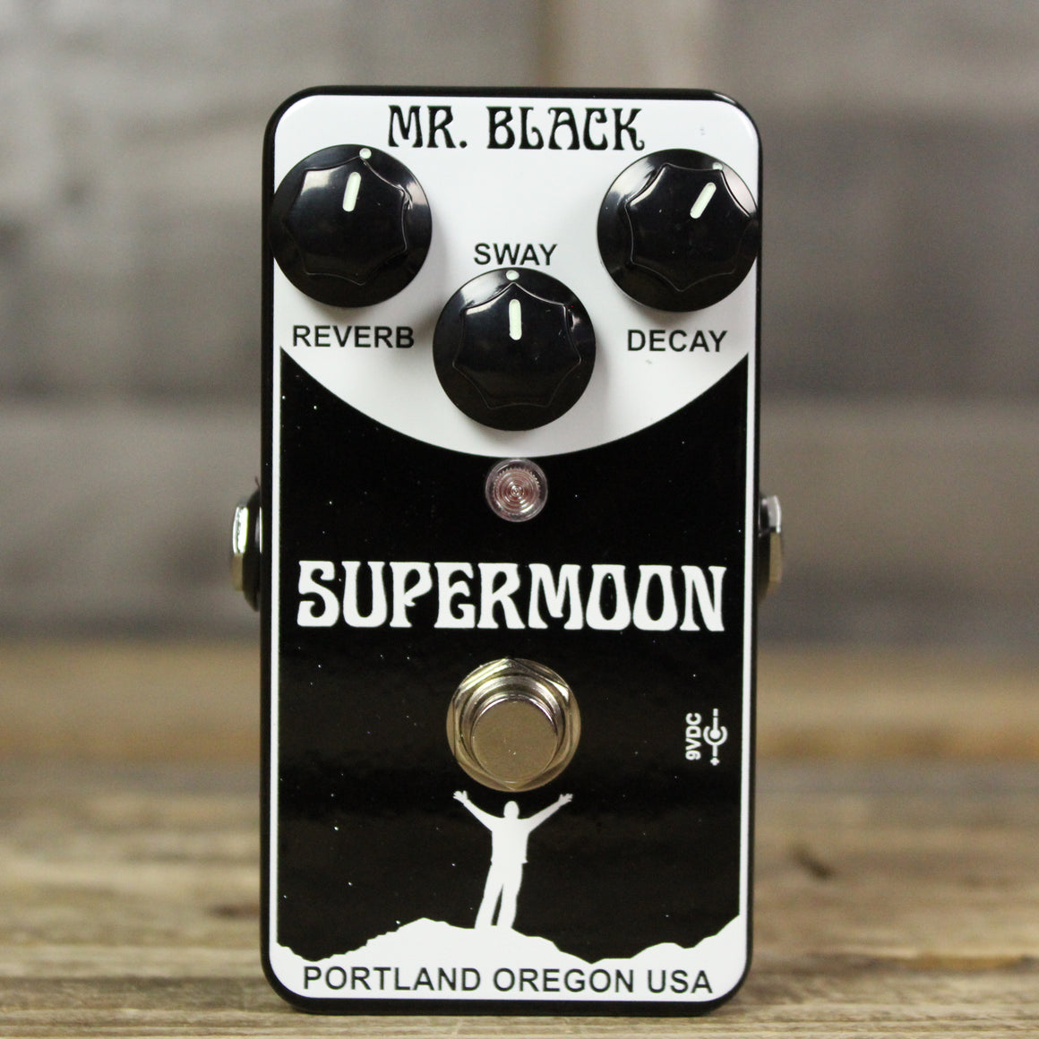 Mr. Black SuperMoon Reverb