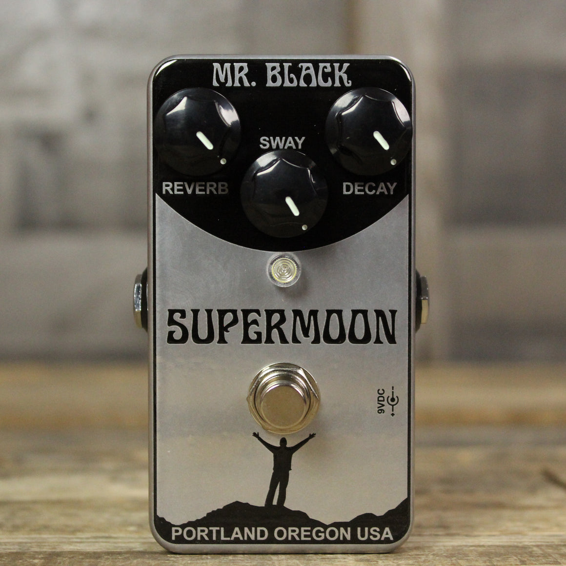 Mr. Black SuperMoon Chrome Reverb
