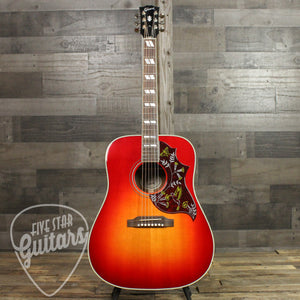 Gibson Hummingbird Acoustic Guitar Vintage Cherry Sunburst - Full Front