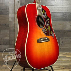 Gibson Hummingbird Acoustic Guitar Vintage Cherry Sunburst - Bass Side