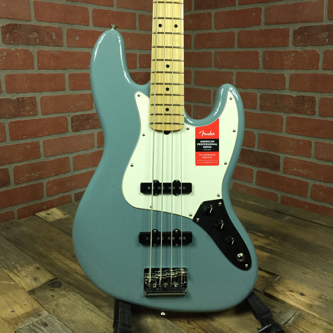 American Pro Jazz Bass, Maple Fingerboard, Sonic Gray
