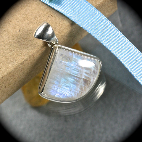 Moonstone sterling silver pendant - Rusmineral cabochons&jewelry - 1