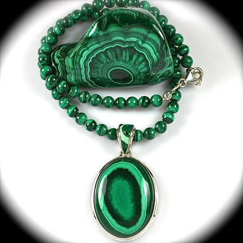 Malachite pendant with inlaid bail - Rusmineral cabochons&jewelry - 2