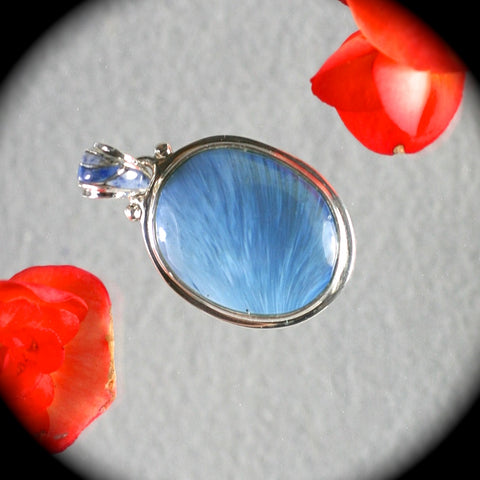 Swedish Blue pendant w/inlaid bail