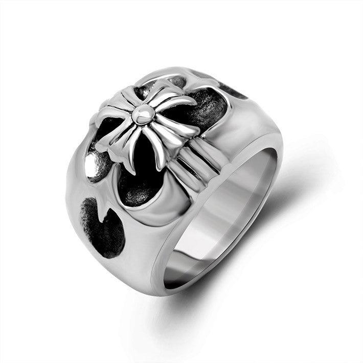 Retro design highlights the men of the cross ring SA373