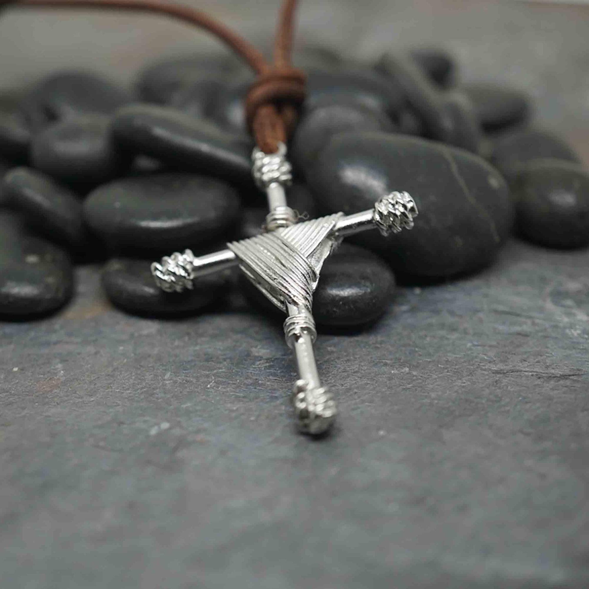 Cross necklace made of pewter