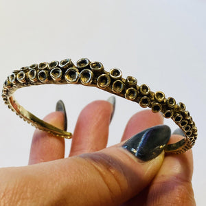 Octopus tentacle bracelet designed by Zulasurfing