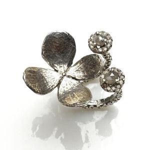 Delicate flower sterling silver ring with diamonds - Zulasurfing Jewelry  - 1