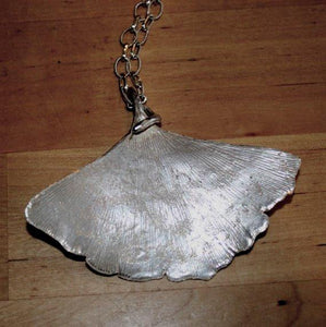 Ginko leaf Pendant Necklace - Zulasurfing Jewelry  - 1