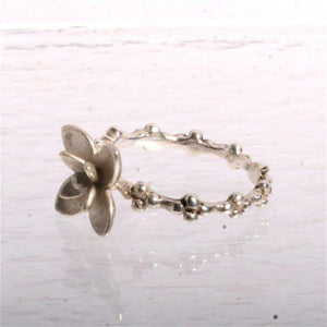 Delicate Sterling silver Flower ring size 7 - Zulasurfing Jewelry  - 3
