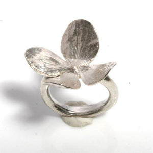 Sensational 4 petal flower sterling silver leaf ring size 6 - Zulasurfing Jewelry  - 1