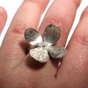 Sensational 4 petal flower sterling silver leaf ring size 6 - Zulasurfing Jewelry  - 2