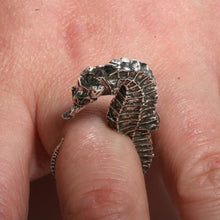 Load image into Gallery viewer, Sterling silver seahorse ring size 5-6.5 - Zulasurfing Jewelry  - 5