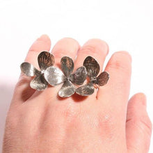Load image into Gallery viewer, Gorgeous 3 Flower two finger  Silver adjustable ring - Zulasurfing Jewelry  - 2