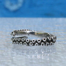 Load image into Gallery viewer, Small octopus tentacle adjustable silver ring - Zulasurfing Jewelry  - 2