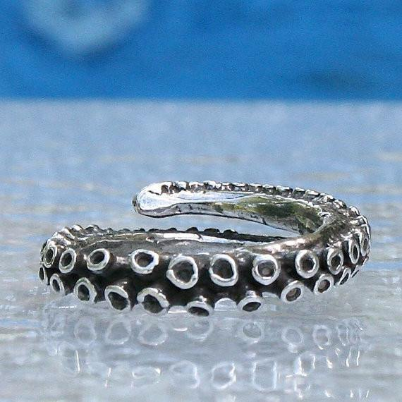 Small octopus tentacle adjustable silver ring - Zulasurfing Jewelry  - 1