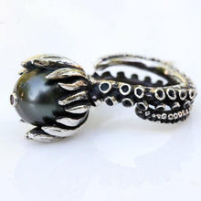 Load image into Gallery viewer, Octopus tentacle ring with a black tahitian pearl and a ruby set - Zulasurfing Jewelry  - 2