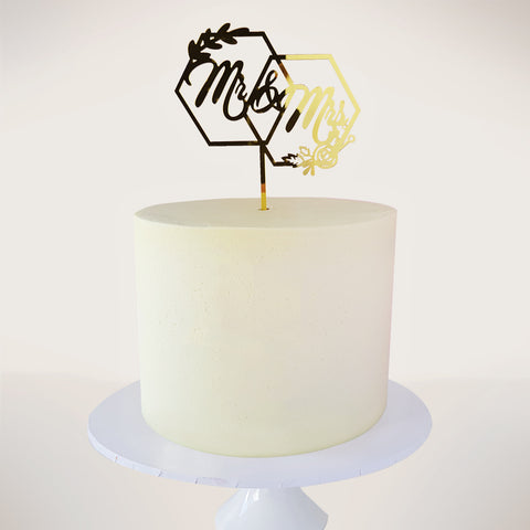 Le Smooth Buttercream Cake With Mr & Mrs Topper
