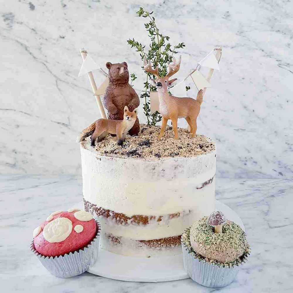 woodlands-deer-bear-cake-sydney