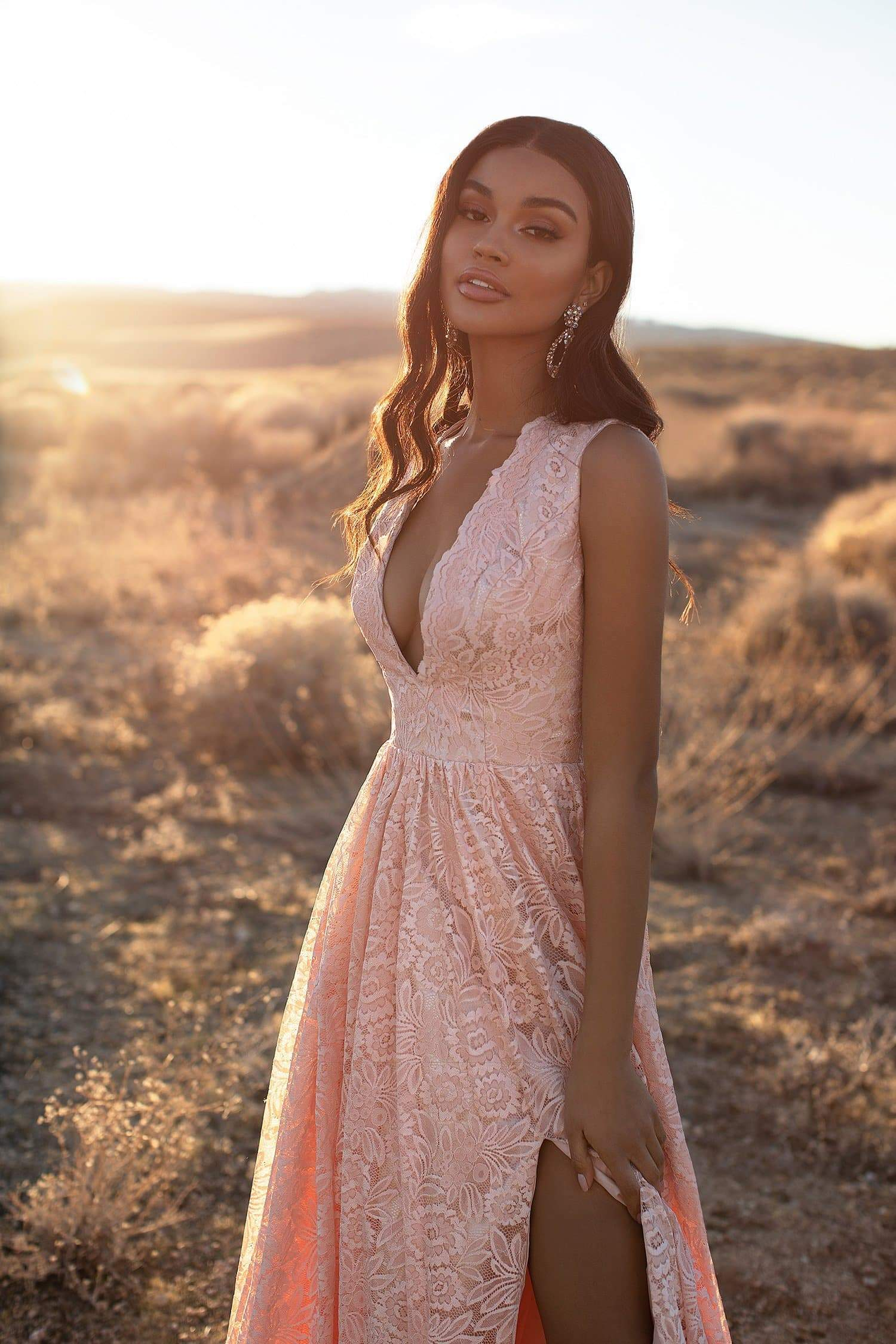 A&N Luxe Genelle - Peach Lace Gown with Plunge Neck & Side Slit