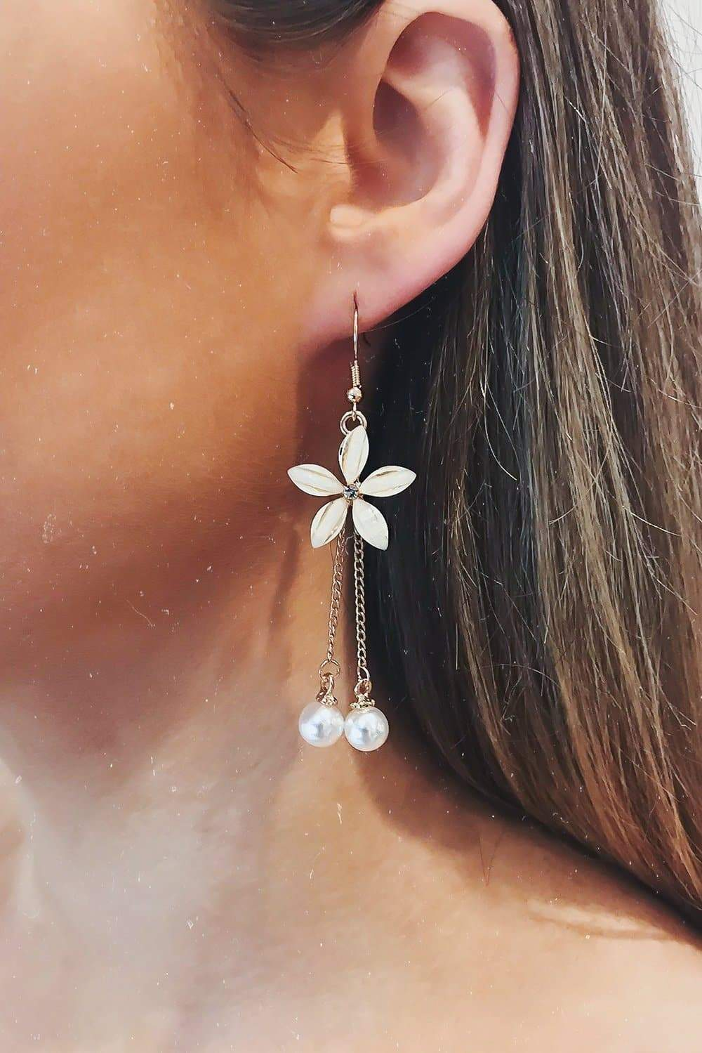 Glazori Delilah Gold Flower Drop Earrings with Pearls