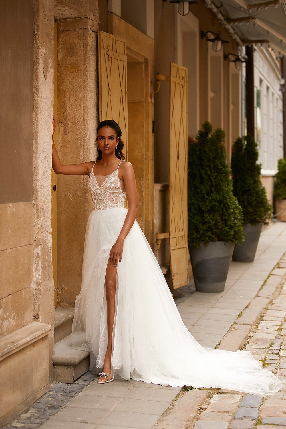 A&N Amberlie - White Chiffon Backless Beaded Boho Bridal Gown