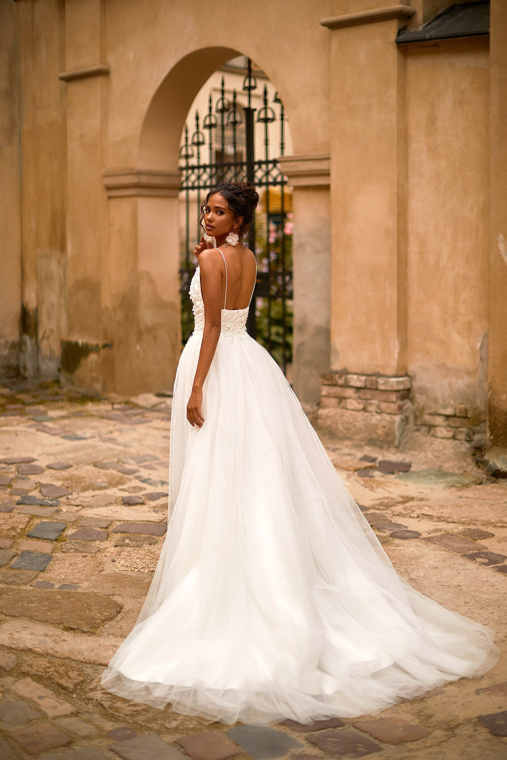A&N Safa - White Floral Embellished Boho Bridal Gown with Plunge Neck