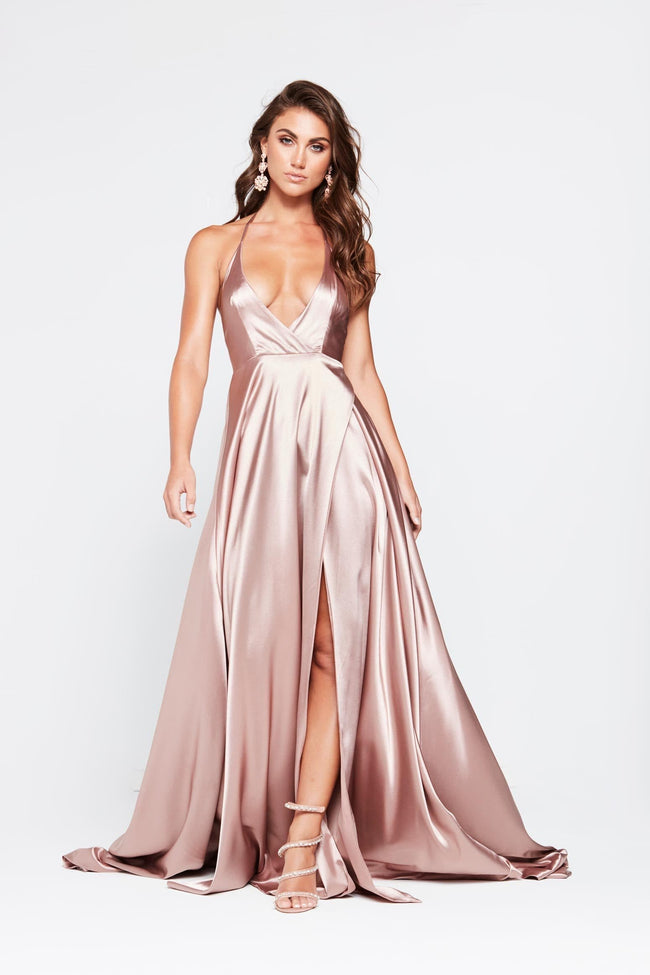 An Formal And Prom Gowns Exclusive At An Boutique