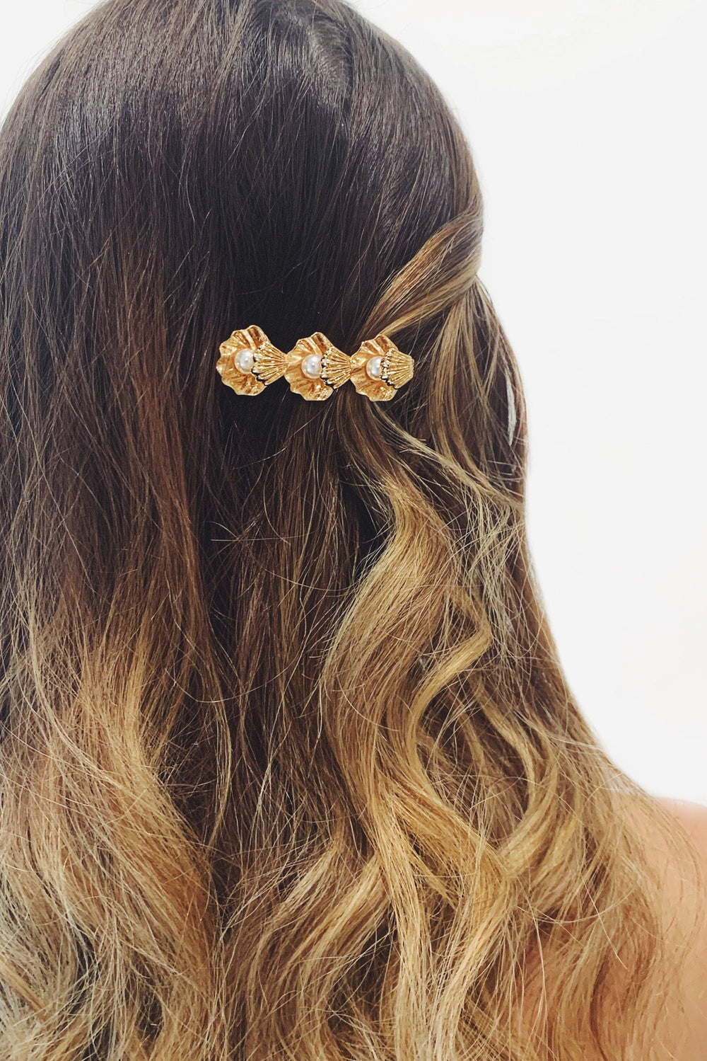 Gold Seashell Hair Clip with Pearls