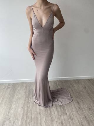 Sample Gown 385